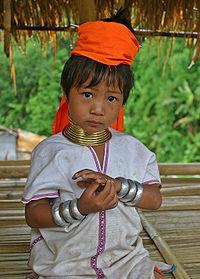REGARD sur les PADAUNGS dans PADAUNGS padaung